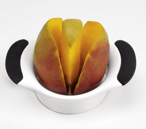 Cut the mango with a cutting tool.